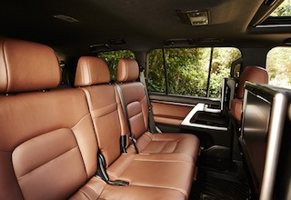 2016 Toyota Land Cruiser cabin