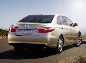 Exterior of the 2017 Toyota Camry Hybrid