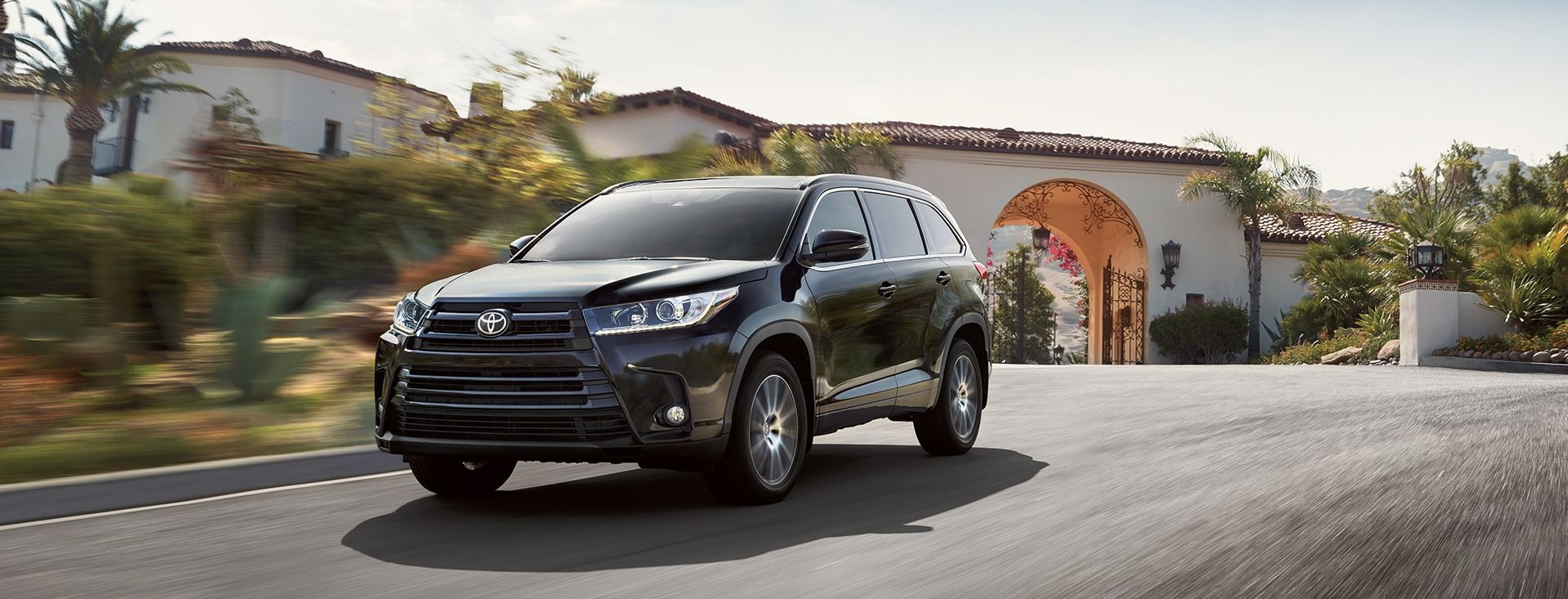 2017 toyota highlander for sale in woburn ma woburn toyota. Black Bedroom Furniture Sets. Home Design Ideas