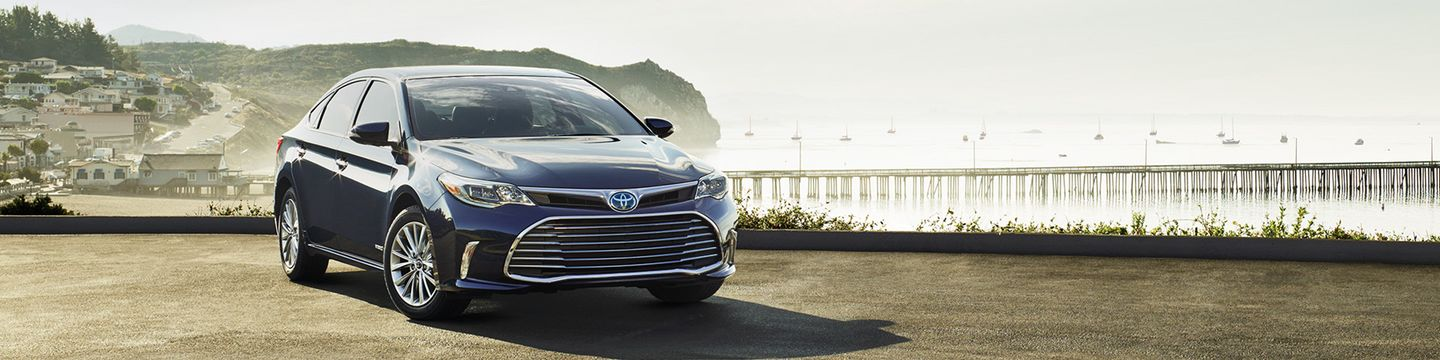 2017 Toyota Avalon Hybrid for Sale in Kansas City, MO